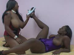 Lesbische fette schwarze Mädchen